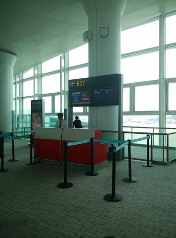 早上8点半 9点 坐湖州到杭州东站的动车 杭州萧山国际机高清图片