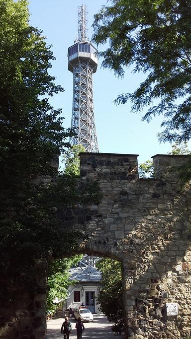 佩特任了望塔旅游景点图片