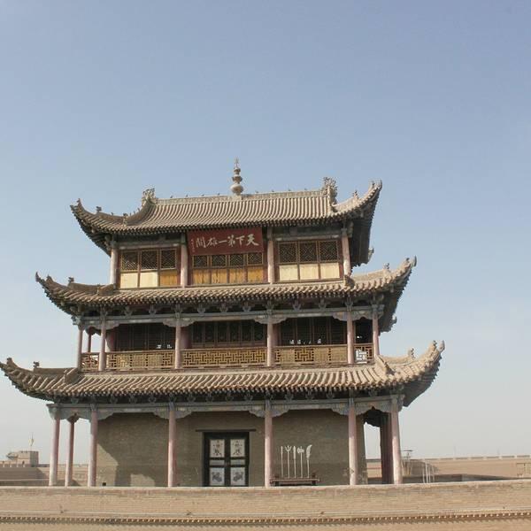 交通:嘉峪关机场,每周都有航班飞往北京,兰州,西安等地,唯一遗憾的是