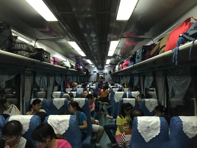坐火车去丽江图片