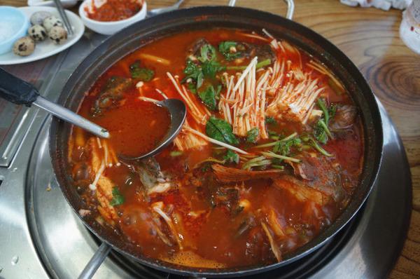 辣鱼汤士韩国传统饮食种的一种,在韩国大部分地区都能吃到,如果您只来图片