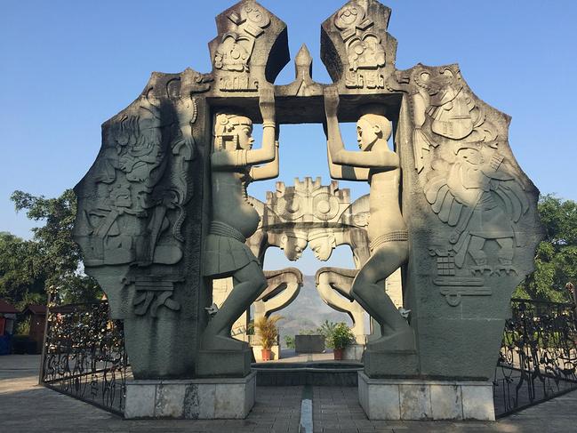 墨江北回归线标志园图片