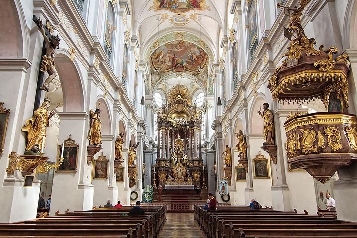 """""""圣彼得教堂(St Peter's Chu..._圣彼得教堂""""的评论图片"""