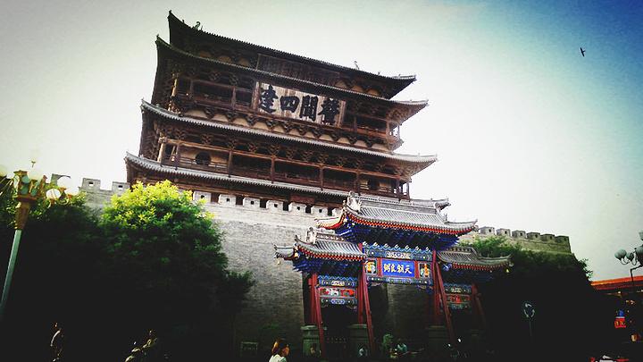 砖木结构鼓楼,始建于明洪武七年(1374),于成代七年(1471)火烧后,增台