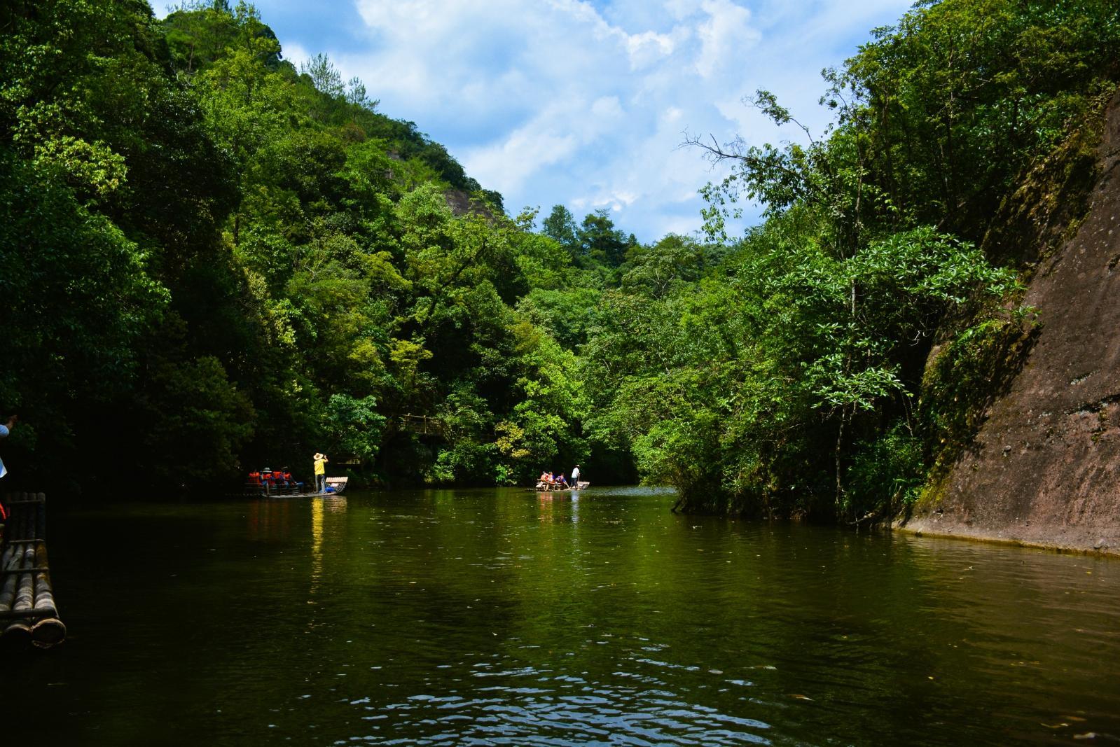 九龙潭风景区位于福建省泰宁县世界自然遗产,世界地质公园北部核心区.