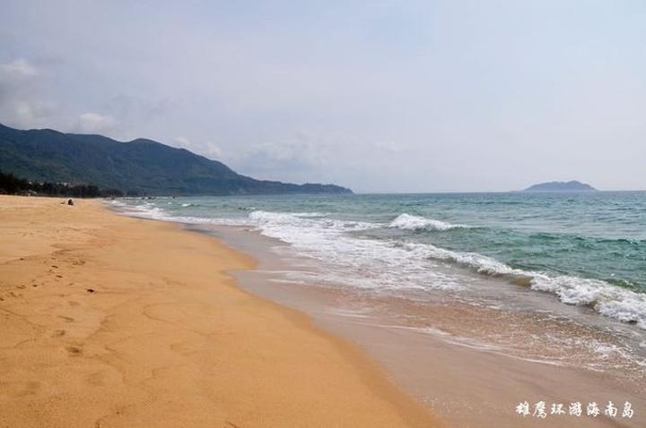 香水湾位于海南岛南北气候分界岭—牛岭脚下.