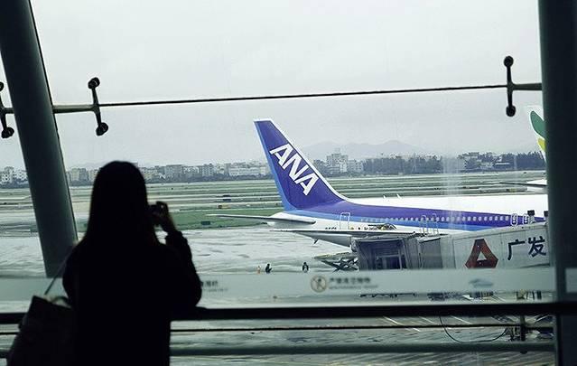 到广州白云国际机场可以乘坐三号线到机场南站下就可