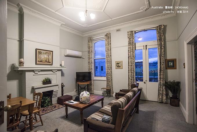 客厅的装修风格都偏怀旧的老式风格