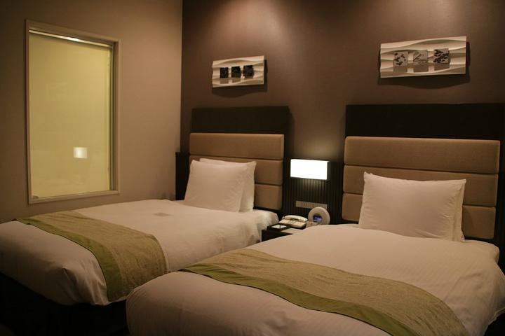 背景墙 房间 家居 酒店 设计 卧室 卧室装修 现代 装修 720_480