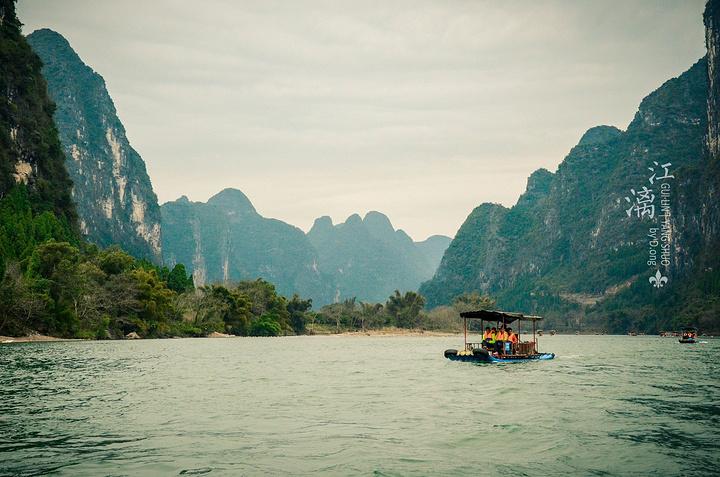 不得不说漓江风景真的很美,如画两个字已经不能简单涵盖了,当时赶上