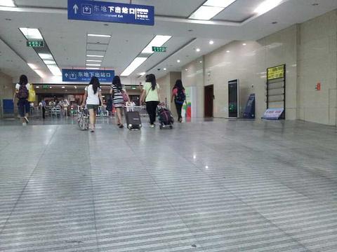 2014青岛火车站旅游长途汽车站_旅游攻略_门迷失岛2大全攻略图文图片