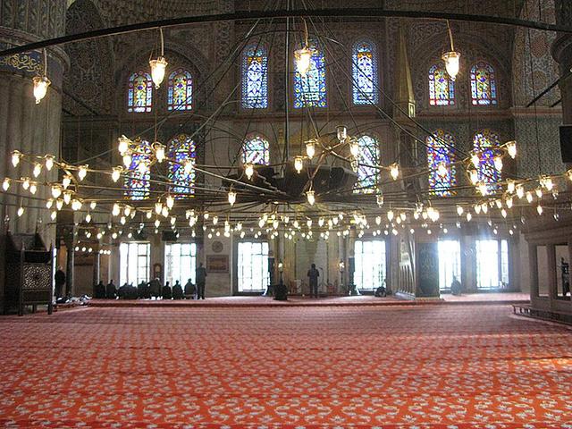 """""""祈祷大厅非常壮观_苏丹艾哈迈德清真寺""""的评论图片"""