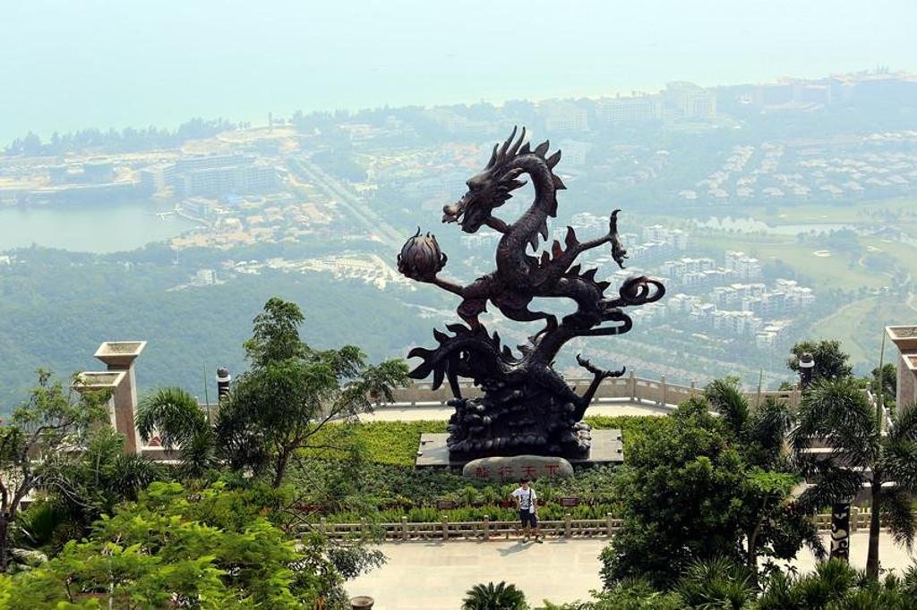 三亚热带森林公园龙雕分享展示图片