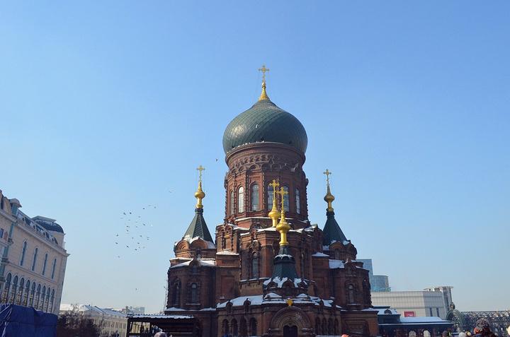 筑物圆顶的建筑风格很俄罗斯如