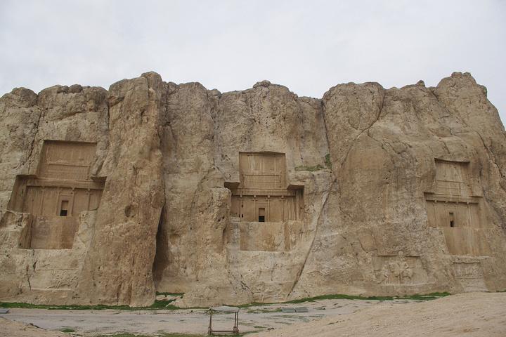 来,我们去帝王谷Naghsh-e-r._波斯帝陵和萨珊浮蒲颇攻略拯救图片