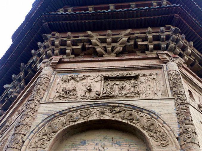 文峰塔位于安阳古城内西北隅,高 38.