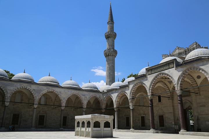 """""""当然这个庭院本身也是个不错的景观_苏莱曼清真寺""""的评论图片"""