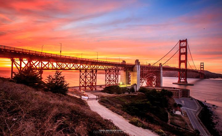 2016著名的钢桁梁悬索桥