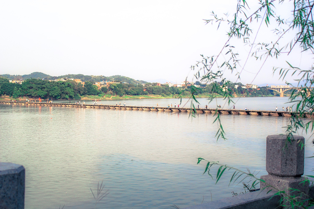 赣州古浮桥