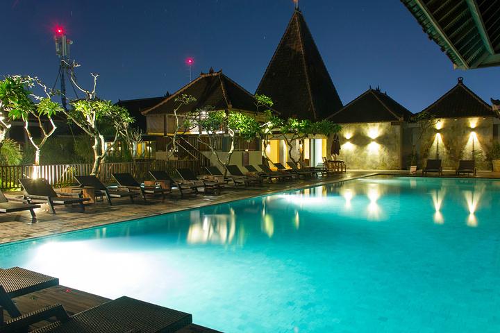 酒店是个好地方_2016美居酒店的天台是个拍夜景的好地方,一路背_美居巴厘岛库