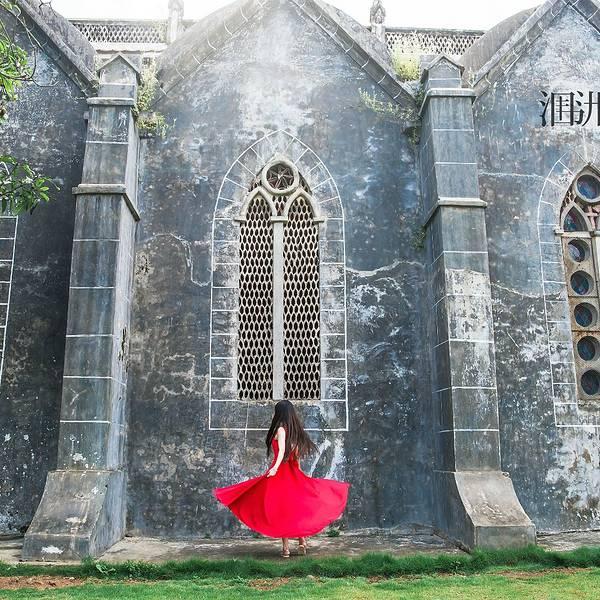 涠洲天主教堂,是一所位于中国广西北海市涠洲岛上的天主教教堂,因