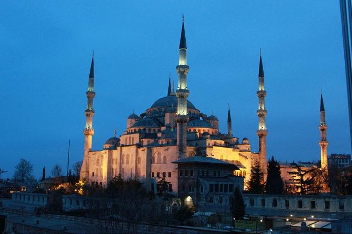 """""""伊斯坦布尔有着太精彩的过去叫人无法割舍_苏丹艾哈迈德清真寺""""的评论图片"""