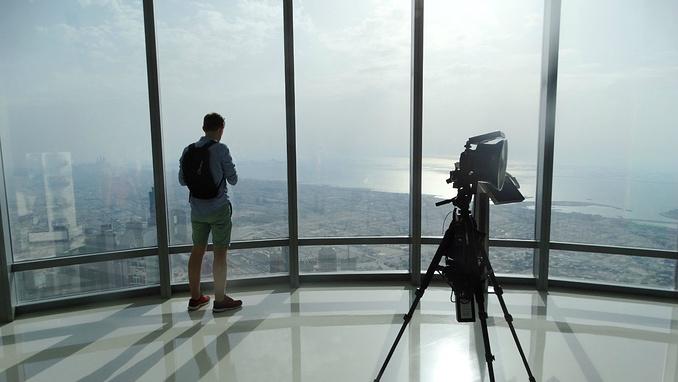 默默等待日落的摄影师背影,像极了我的许多摄影师朋友
