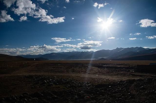 2016-09-07 09:56cetw1878 日喀则向纳木错出发,途径羊八井,著名的温