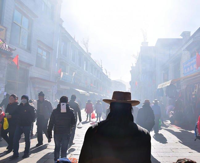 冬日西藏,彩旗飘扬_拉萨旅游攻略_自助游攻略_去哪儿