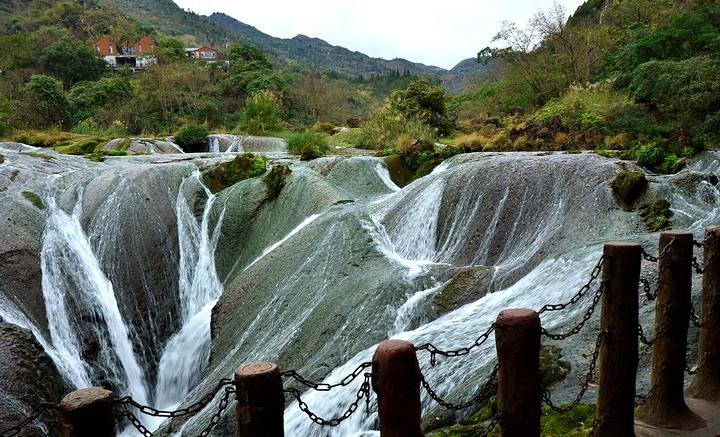 天星桥景区在贵州黄果树瀑布下游6公里处