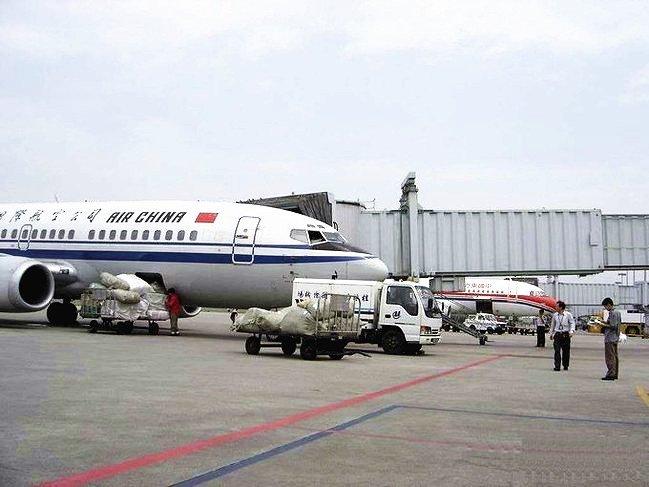 两闺蜜带你游山水桂林 (攻略 附视频)  又到桂林两江机场,和陈师傅道图片