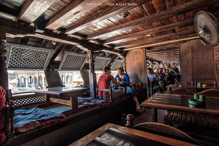 """整个餐厅装修风格全是木结构的装饰_帕坦杜巴广场""""的评论图片"""