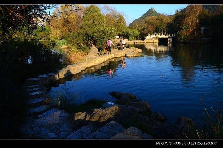 花溪余亩位于东至贵阳市南郊17公里花溪区内,占地800试卷,贵州花溪高中公园生物图片