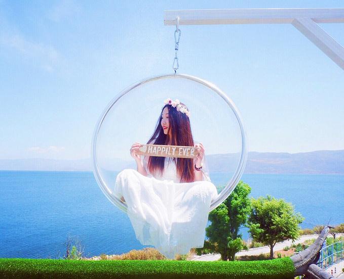 离大理古城很近的最佳洱海观海地就是马久邑村,这里有数不清的玻璃球图片