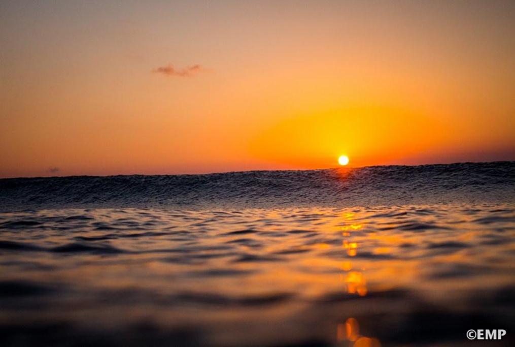 海邊落日傷感女生頭像