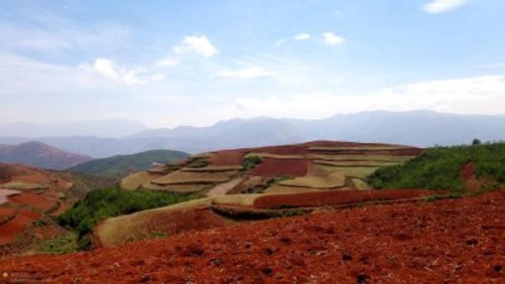 中国主要丘陵分布图_读中国主要山脉分布示意图完成下列要求。