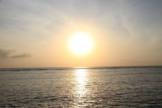 刚刚升起的太阳~朝阳和夕阳感觉还是很不一样的~早起值得!