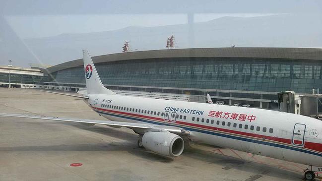 东方航空a320飞机