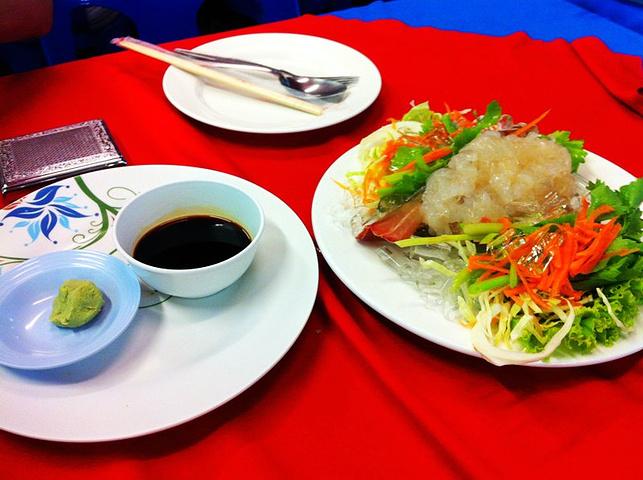 一觉的最好吃的龙虾 刺身.活杀,很新鲜.   这是我吃过最难吃的魔鬼