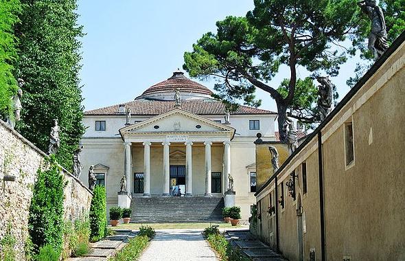 山上的圆厅别墅不仅是维琴察的两大地标之一,更是帕拉底欧着名的代表