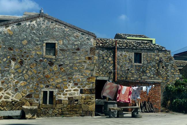 石头厝:水墨画,油画般的石头房子图片