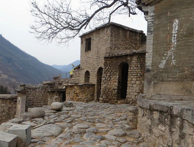 大梁江村图片