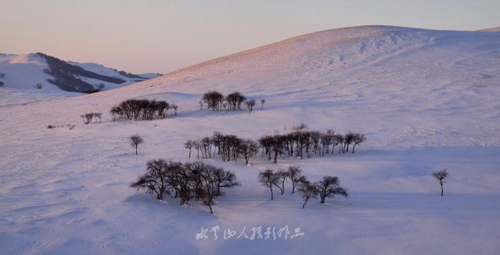 14点出发到北沟拍摄,沿途积雪覆盖,几乎.