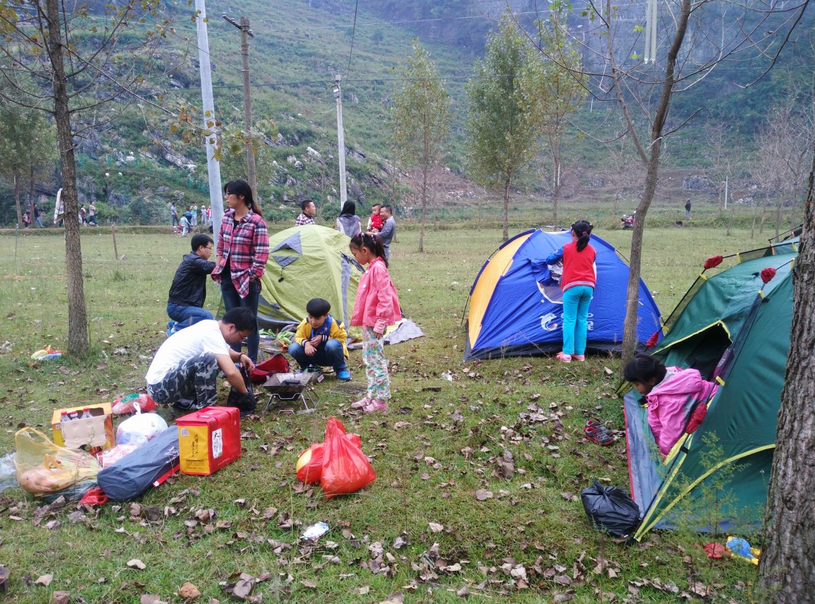风雨中的第一次湄江露营