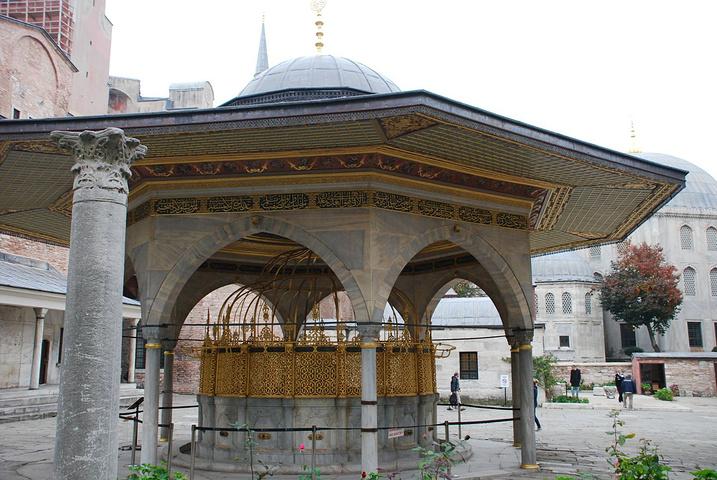 """""""它是奥斯曼帝国的政治中心,个人觉得有种逛..._托普卡帕皇宫""""的评论图片"""