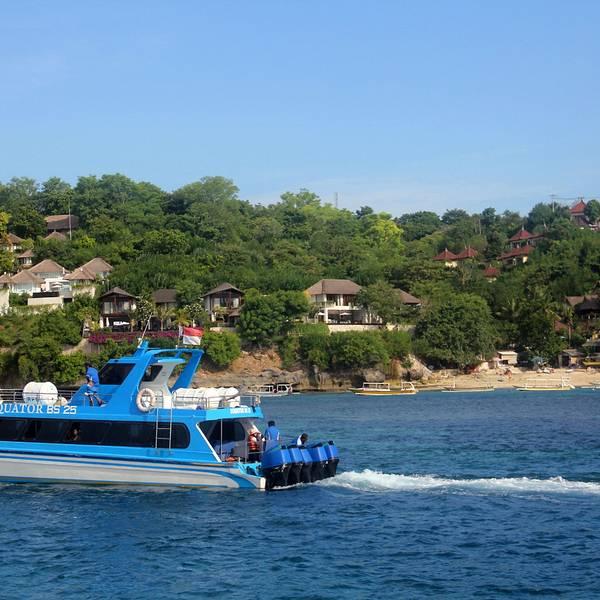 现在国内去蓝梦岛以一日游水上活动居多,其实更推荐在蓝梦岛住