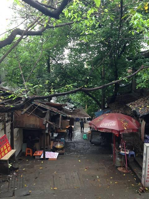 农村老房子雨棚图片