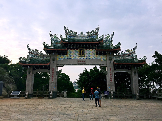 山门一般是寺庙建筑真正意义上的第一道门