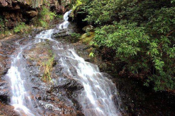 壁紙 風景 旅游 瀑布 山水 桌面 600_399