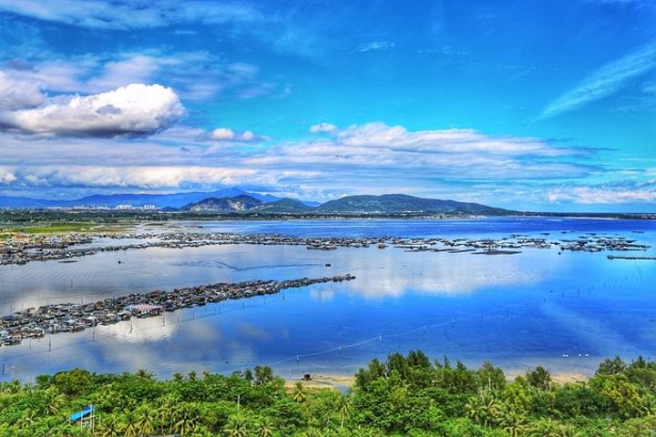 海灣是三亞最美的風景,可以說無論是位于鬧市繁華的三亞灣,還是被珊瑚